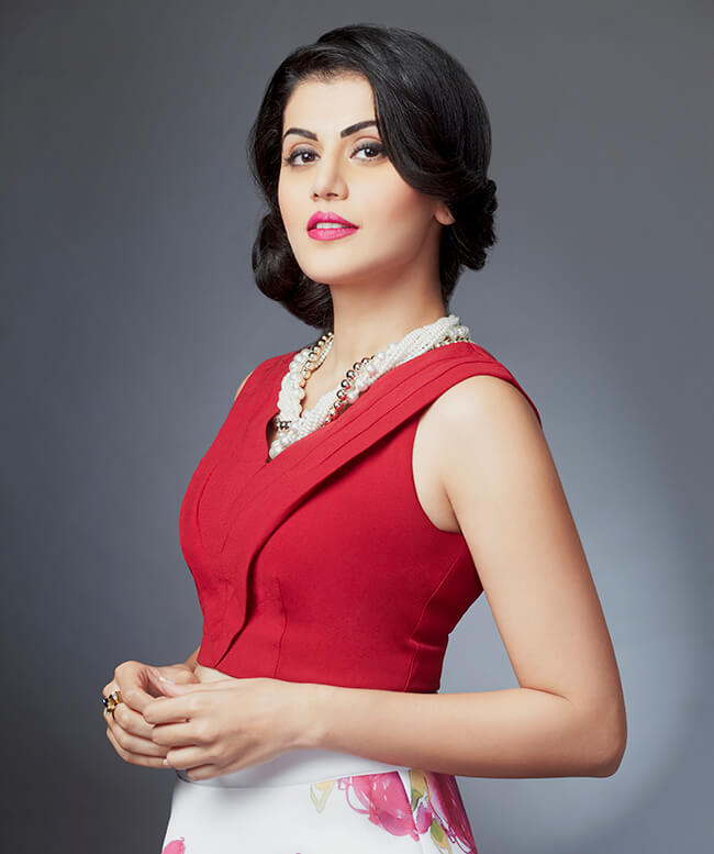 Tapsee Pannu Sexy