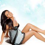 Geeta Basra Hot Boobs Wallpaper