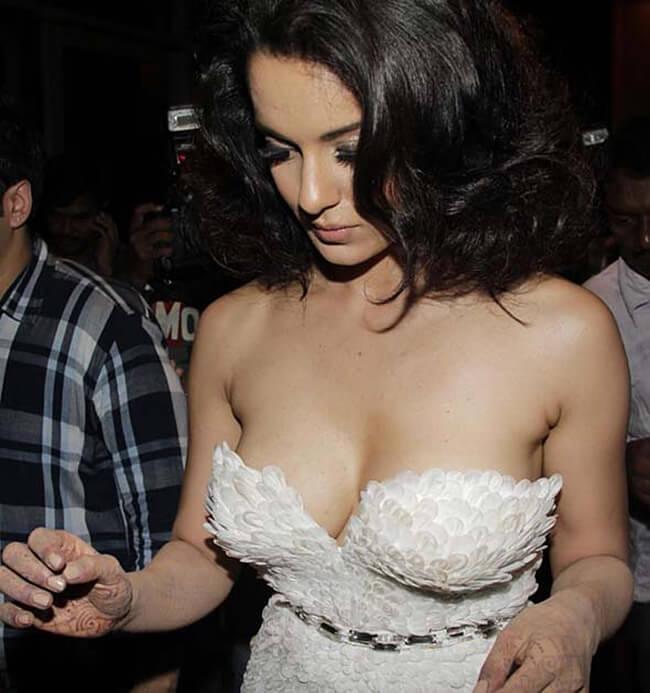 Kangana Ranaut Breast Sizes