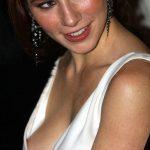 Lynn Collins Hot Boobs Size