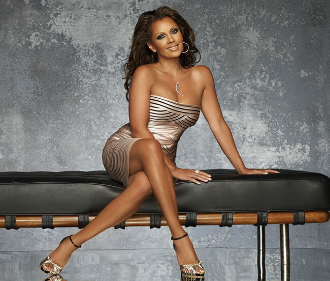 Vanessa Williams Sexy Legs