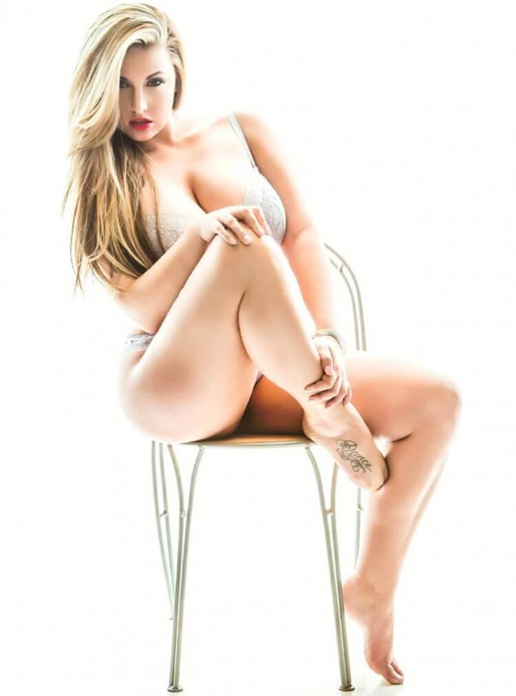 Ashley Alexiss Sexy Legs Barefoot